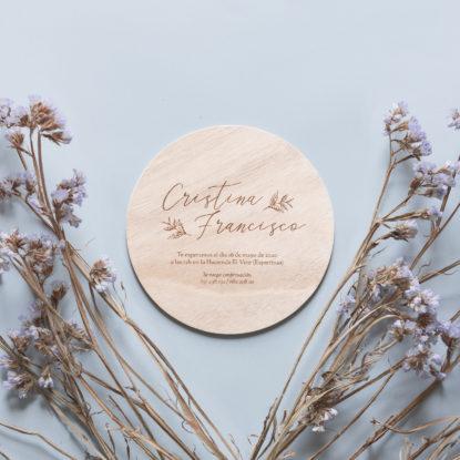 invitacion de madera redonda estilo campestre