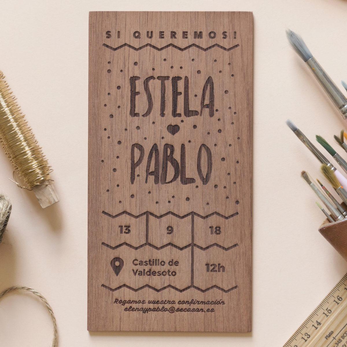 Invitación de madera Puntitos
