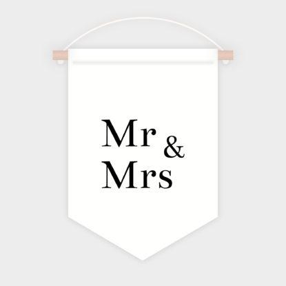 Mockup de la Banderola Mr Mrs Para Sillas