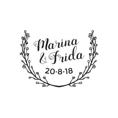 Sello de madera de boda con nombres pareja diseño Corona de Flores II