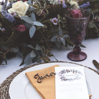 Sitting de madera nombres para invitados de boda