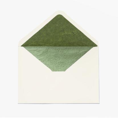 Sobre para invitaciones de boda C6 marfil con forro interior verde texturado