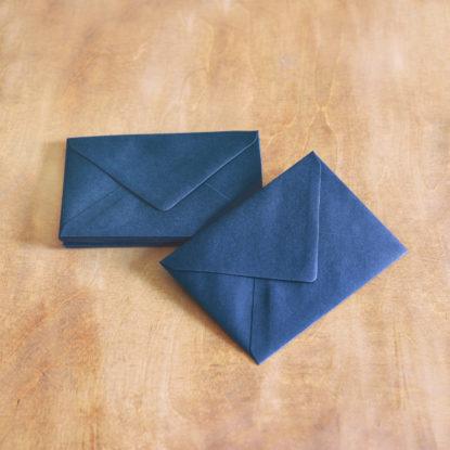 Sobre de boda para invitaciones A6 azul navy