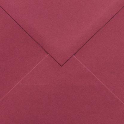 Sobre para invitaciones de madera cuadrado rojo detalle