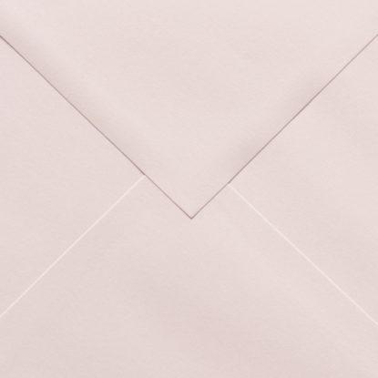 Sobre para invitaciones de madera cuadrado rosa detalle