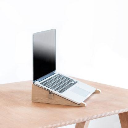Soporte para portátil de diseño de madera de roble