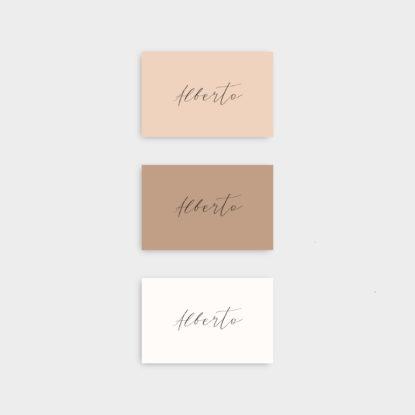 Marcasitios de papel de colores para boda letra 1